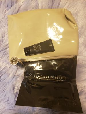Le Metier De Beaute makeup bag for Sale in Irving, TX