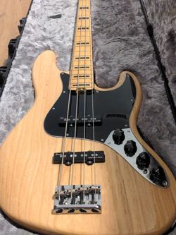 Fender American Elite Jazz Bass (Like New) for Sale in Costa Mesa,  CA