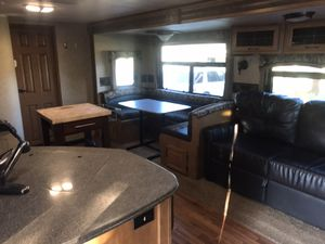 Ever-Lite Evergreen 32-foot trailer. Outstanding condition. for Sale in Phoenix, AZ