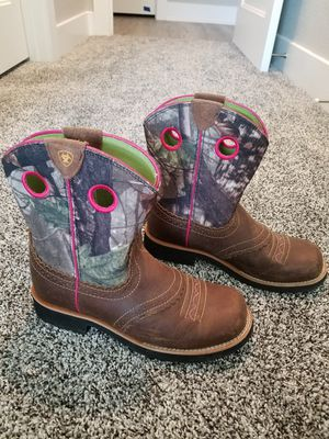 Girls Ariat Boots for Sale in Thrall, TX