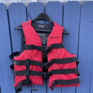 2 Life Vests for Sale in Miami, FL
