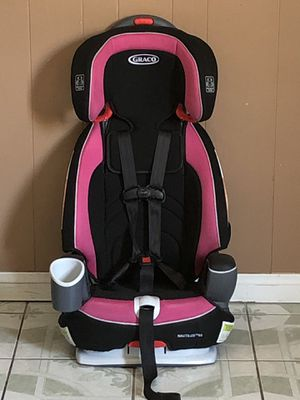LIKE NEW GRACO NAUTILUS CONVERTIBLE CAR SEAT 3 in 1 for Sale in Jurupa Valley, CA