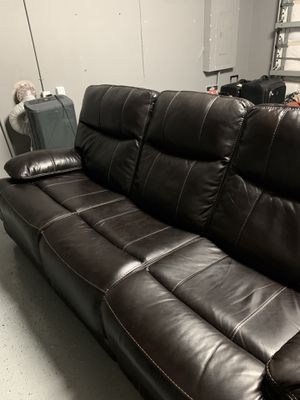Electrical reclining leather 3 seater sofa! Like NEW! for Sale in Homestead, FL