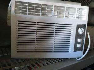 GE Window AC Unit With Stand and Plexi Glass for Sale in Oceanside, CA