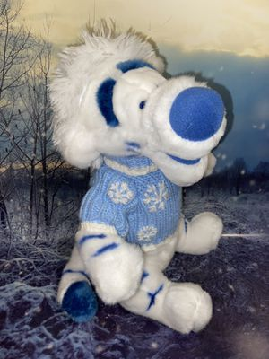 """RARE Disney store SW Sweater White Tigger 17"""" plush toy from Winnie Pooh. New with tags for Sale in Bellflower, CA"""