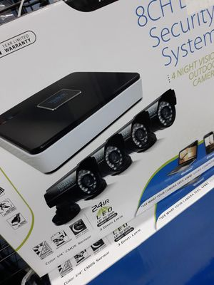 8 CH DVR 4 Camera System With All wiring for Sale in Houston, TX