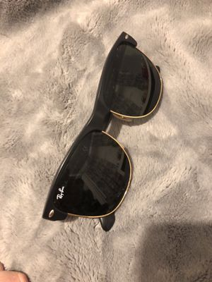RAY-BAN Sunglasses for Sale in Riverdale, MD