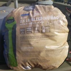 Coleman 2.5 Lb Sleeping Bag for Sale in Spanaway,  WA