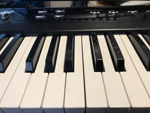 Learn how to play the piano/ Aprende a tocar el piano for Sale in Washington, DC