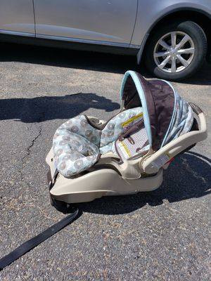 Infant car seat for Sale in Groton, MA