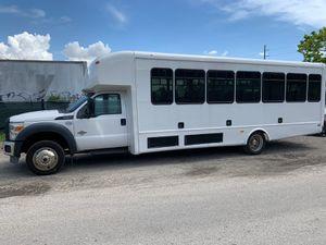 2014 Ford F450 32 Passenger Bus super clean for Sale in Miami, FL