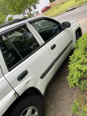 2004 Chevy trailblazer 142000 miles 2000obo for Sale in District Heights, MD