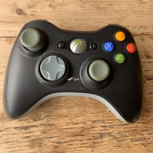 XBox 360 Wireless Controller for Sale in Hinsdale, IL