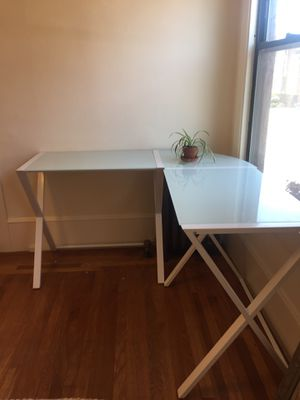 Minimalist Desk- glass and metal (excellent condition) for Sale in Piedmont, CA