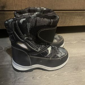 Boy Snow Boots for Sale in Fresno, CA
