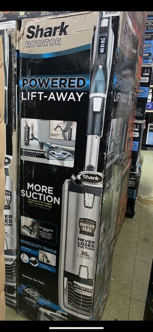 New shark uv795 Porter heavy duty lift away vacuum with more option and parts for Sale in San Francisco, CA