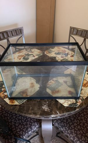 Fish Tank 10 gallons for Sale in Orlando, FL