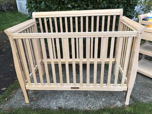 BABY TRIO SET Delta Luv Millennium Crib & Bed with Diaper Changer plus Dresser Drawers for Sale in Lacey, WA