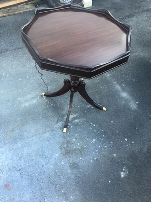 Antique mahogany lamp table for Sale in Howell Township, NJ