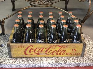 Vintage coke wooden crate with 22 full bottles of original coke and 2 bottles not filled for Sale in Medina, OH