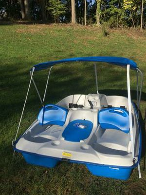 Paddle boat for Sale in Byrnes Mill, MO