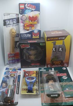 Mixed lot of new and vintage figures and toys (Star Wars, Spiderman and more) for Sale in Davis,  CA