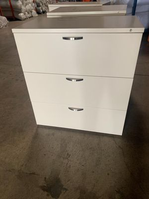 Herman Miller 36in 3 drawer file cabinets for Sale in DeSoto, TX