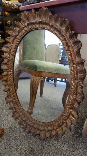 Antique oval mirror for Sale in Chamblee, GA