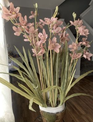 Artificial flowers in the pot $40 FOR PICKUP ONLY Thursday Friday Saturday Sunday Monday 3-6pm for Sale in Palo Alto, CA