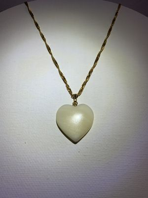 Vintage Mother of Pearl Heart Charm Gold Tone Chain Necklace for Sale in Loma Linda, CA