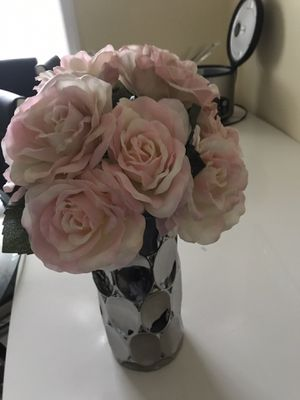 Vase and Flowers for Sale in Des Plaines, IL