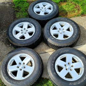 5×5 Jeep tires, excellent condition! for Sale in Seattle, WA