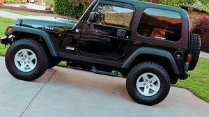 Beautiful Console2004 Jeep Wrangler Rubicon for Sale in Fresno, CA