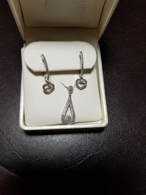 Diamond earrings and pendant for Sale in El Paso, TX