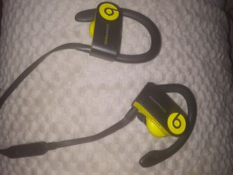 POWER BEATS By DRE Wireless Bluetooth Headphones Special Edition Lime green Color, Also Have The All Black Color In A Separate Post for Sale in Lynnwood,  WA
