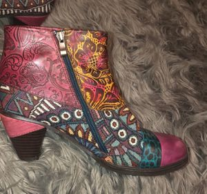 Heeled Boots- Like new for Sale in Akron, OH