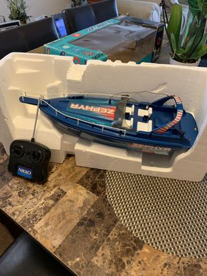 Nikki Zephyr radio control water boat for Sale in Chicago, IL