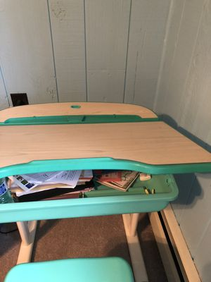 Kids Study desk and chair set for Sale in Upper Darby, PA
