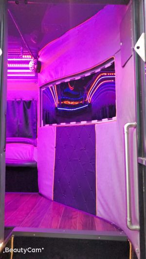 🎶🎶🎶🚌🚌🚌Fun Party Bus 🚌🎶🎶🎶 for Sale in East Compton, CA