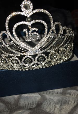 """""""16"""" Tiara for Sale in Silver Spring, MD"""