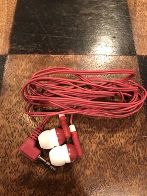 Red Earbuds / Earphones (Never Used) for Sale in San Antonio, TX