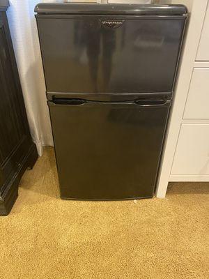 Black mini fridge for Sale in Menifee, CA