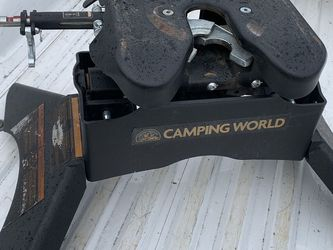 Fifth Wheel Hitch Curt Q20 for Sale in Molalla,  OR
