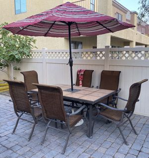 Patio table and chairs (READ DESCRIPTION!) for Sale in North Las Vegas, NV