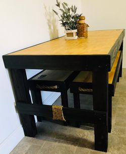Beautiful Rustic Dining Table for Sale in San Diego,  CA