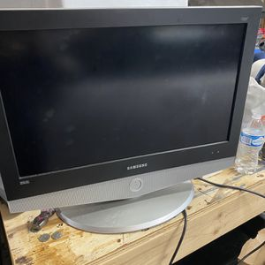 32 Inch Samsung TV for Sale in Maple Valley, WA