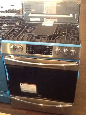 New open box Frigidaire slide in gas range FGGH3047VF for Sale in Downey, CA