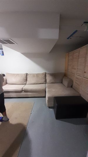 Sectional couch for Sale in Hempstead, NY