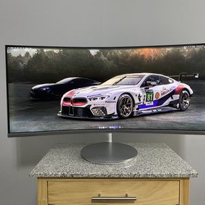Samsung 34 Inch Silver Curved FreeSync Gaming Monitor 3440 x 1440 Resolution, 21:9 UltraWide, 4ms Response Time, 100 Hz Refresh Rate, 1500R Curvature for Sale in Winter Park, FL