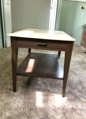 Tv stand or end table for Sale in Halifax, MA
